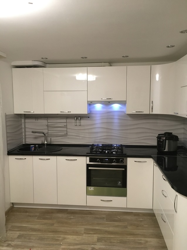 Белый кухонный гарнитур-Кухня МДФ в эмали «Модель 472»-фото3